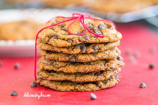 chewy peanut butter chocolate chip cookies {gluten-free/dairy-free}