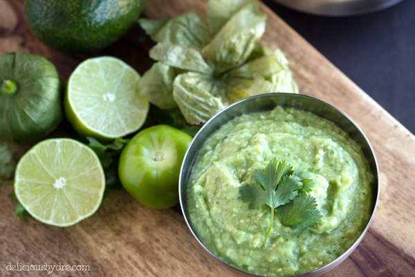 spicy avocado tomatillo dip