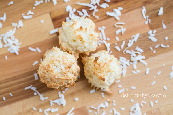 protein coconut macaroons
